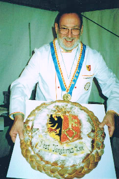 René LAMBERCY Grand Maître de la Confrérie genevoise des Chevaliers du Bon Pain